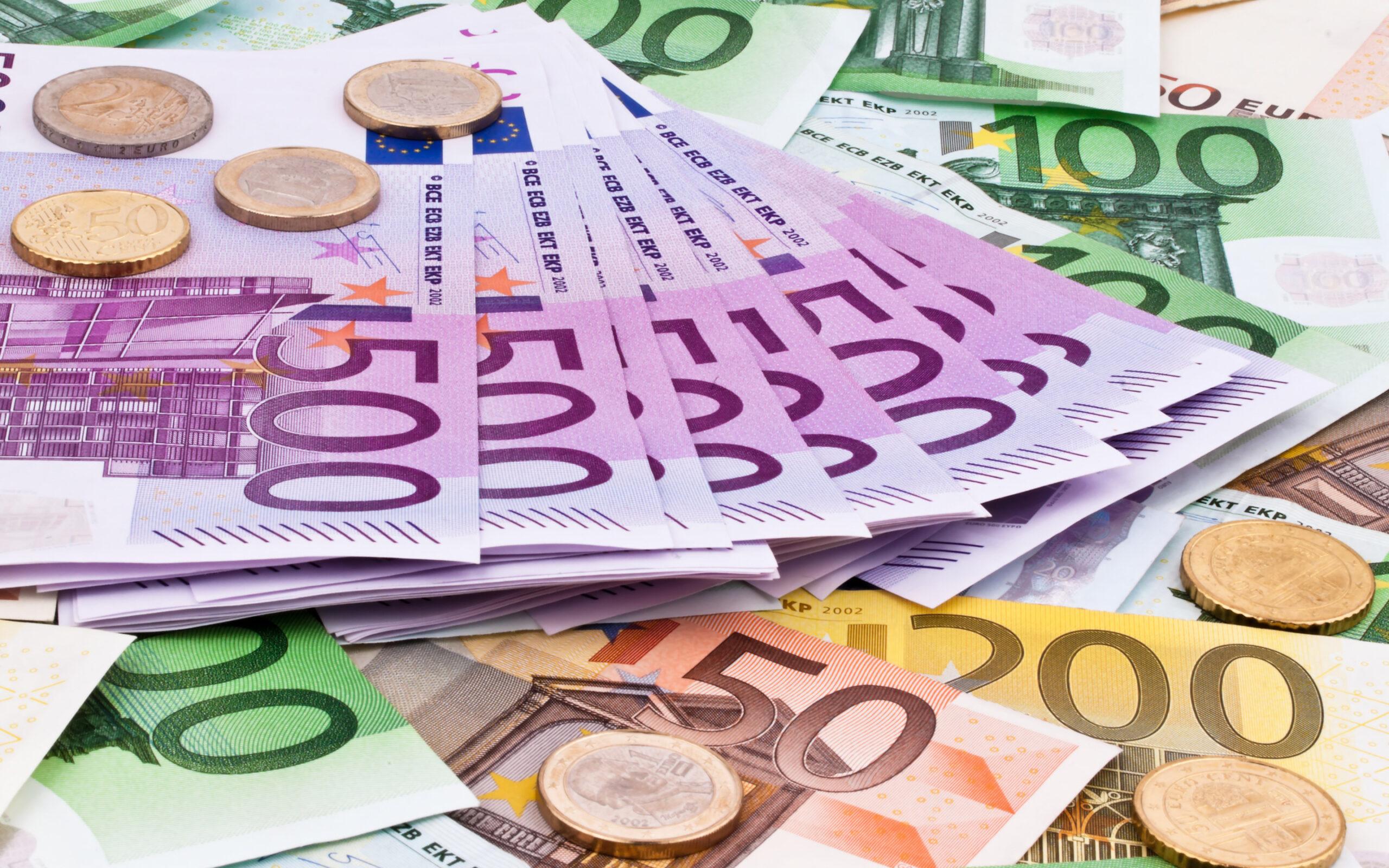 Euro Declines